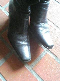 黒ブーツアップ