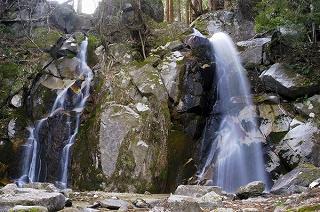 「 寿老の滝 」 恵那市三郷町