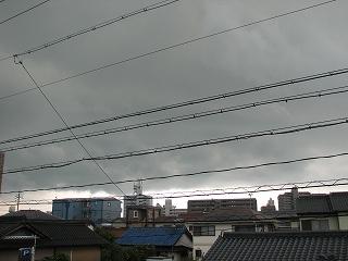 「 美園 」 から見た雷雲