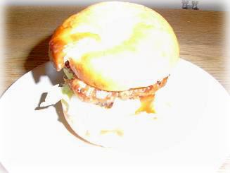 テリヤキ豆腐ハンバーグのベーグルサンド