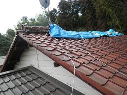 未来住建地震被害屋根工事①