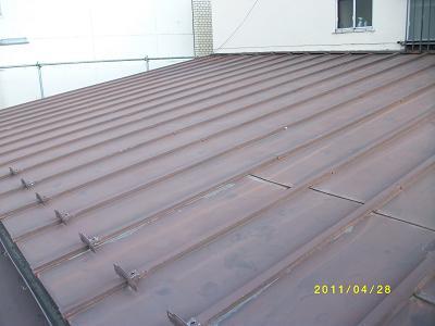 未来住建屋根塗装4月物件ケレン