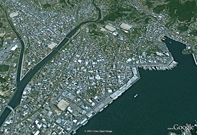 気仙沼3、津波前(2002)