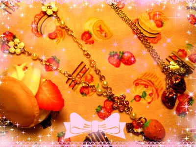 ♡いちごとお花のネックレス♡