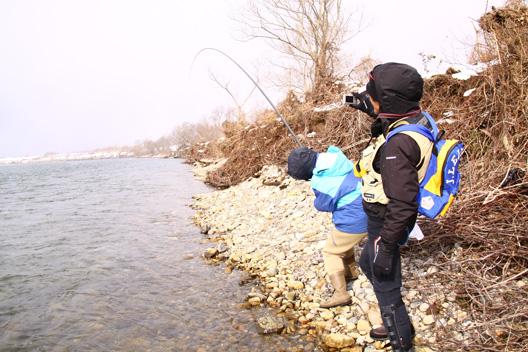 2011荒川鮭釣り 最終日 12月20日 延べ竿