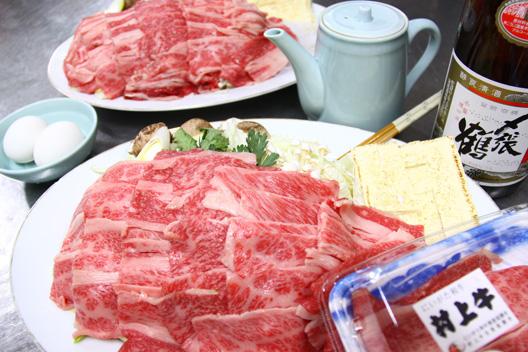 村上牛すき焼き 坂町 食べる