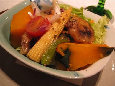 夏野菜とバナナのサラダ