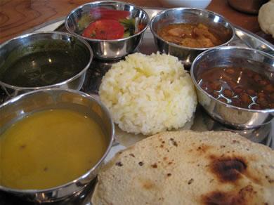 インドの人が作る本格カレー