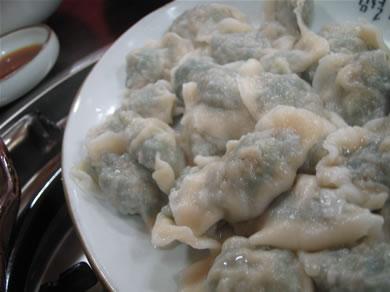 ニラ餃子。アツアツで美味い!