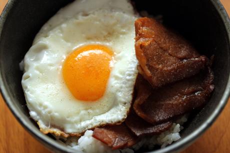今治焼豚玉子飯1