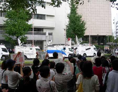 自民党本部前(3)