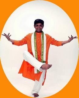 踊るインド人