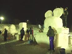 080122雪像づくり001