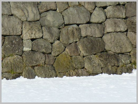 五稜郭の堀の石垣