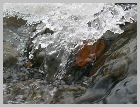 凍える川1