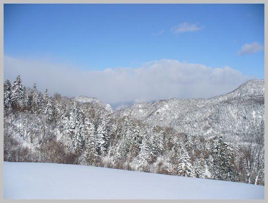 定山渓方向の山々