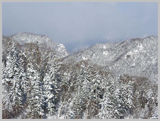定山渓方向の山