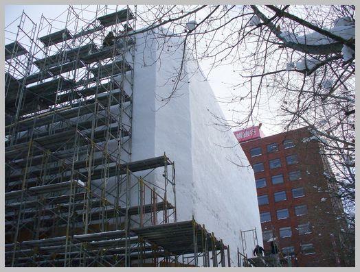 巨大な雪の壁