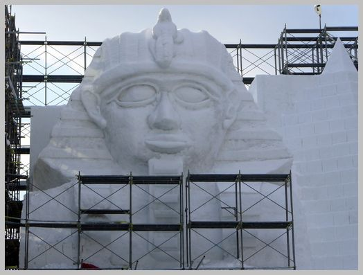 スフィンクスの雪像