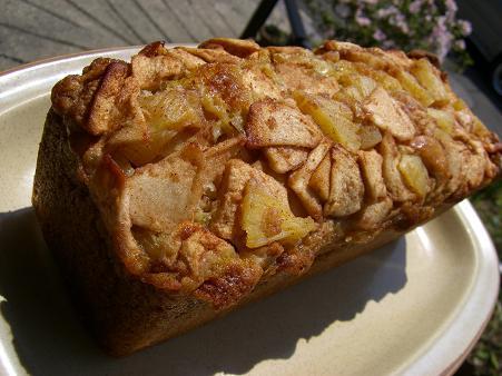 フレッシュりんごとパインのフルーツケーキノンカット