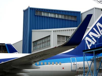 ANA B737-781 JA03AN@全日空整備工場(by IXY Digital L3)