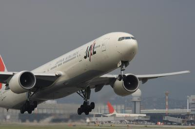 JAL B777-346 RWY14R Airborne@スカイランドHARADA