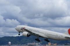 JAL B777-346 Airborne@スカパ