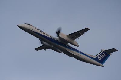 ANA DHC-8-Q400 Departure@猪名川西側土手