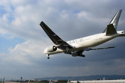 ANA B777-281 StarAlliance Final App.@千里川土手