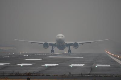 JAL B777-346ER Liftup@RWY14Rエンド