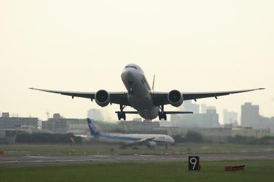 ANA B777-381ER StarAlliance Airborne@14エンド