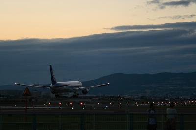 ANA B767-381 Landing@千里川土手