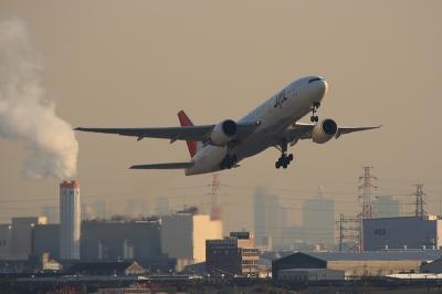 JAL B777-246 JL124@AFO