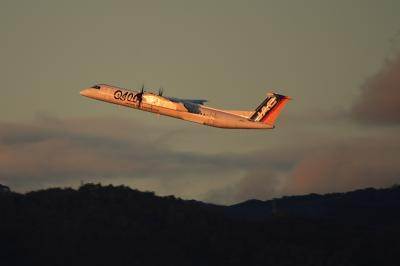 JAC DHC-8-Q400 3X2315@イオンモール屋上駐車場