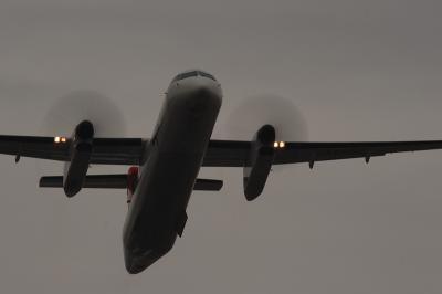 JAC DHC-8-Q400 3X2303@AFO