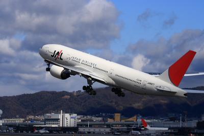 JAL B777-246 JL112@伊丹スカイパーク