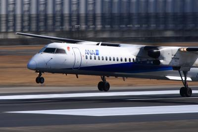 ANA DHC8-Q400 NH1608@スカイランドHARADA(by EF100-400)