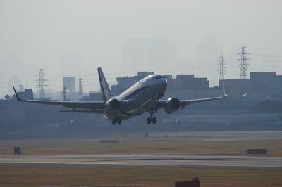 ANA B737-781 Airborne@AFO(by EF100-400)