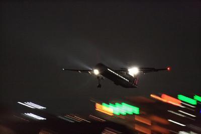 A-net DHC-8-Q400 Airborne@RWY14Rエンド(by EF100-400)