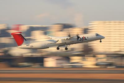 JAC DHC-8-Q400 3X2241 Airborne@ラ・ソーラ(by EF100-400)