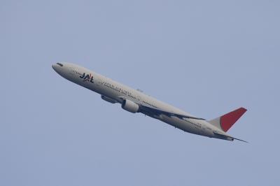 JAL B777-346 JL2001 Departure@自宅2階(by EF100-400)