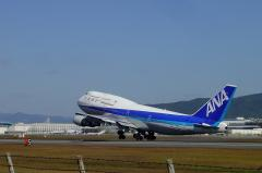 ANA B747-481D Liftup(Oct.23.2003)