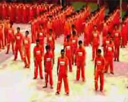 囚人1500人が刑務所でスリラーを踊ってみた!