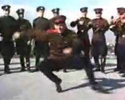 ソ連兵による革命的コサックダンス