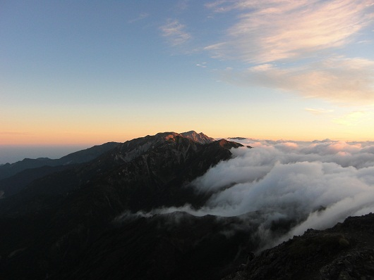 日の出と雲と・・・