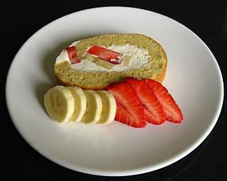 strawberry banana roll cake