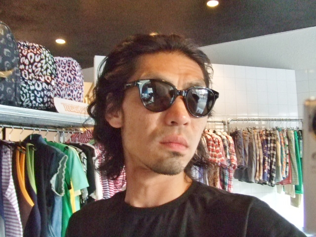 MDY SUNGLASSES 着画像