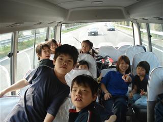 行きのバス