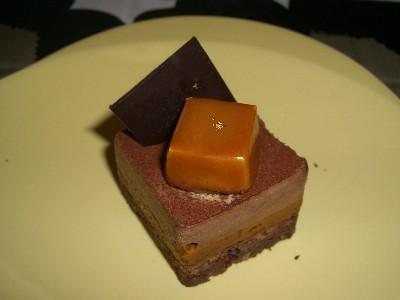 塩バターキャラメルのチョコレートケーキ