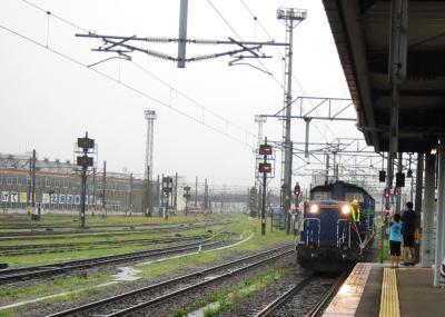 函館駅DD51形ディーゼル機関車付け替え